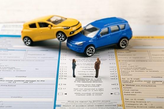 弁護士費用特約を用いて弁護士に交通事故解決を依頼するタイミング
